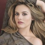 Alicia Silverstone Net Worth
